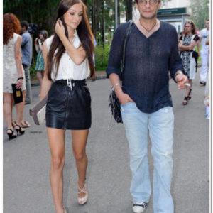 Александр Домогаров показал прессе новую возлюбленную